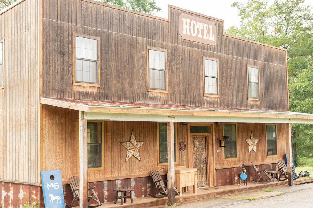 the-horse-guru-michael-gascon-gascon-horsemanship-facility-19_orig