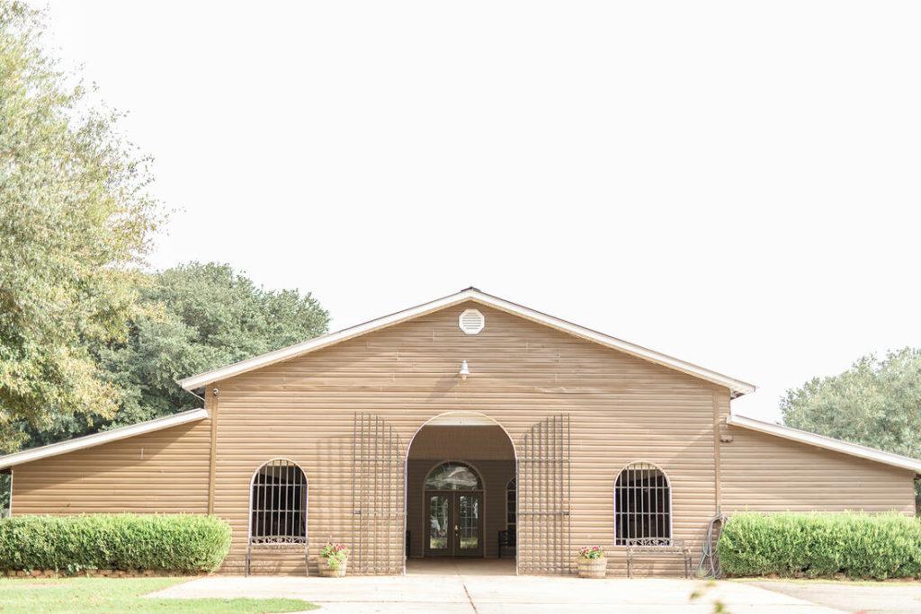 the-horse-guru-michael-gascon-gascon-horsemanship-facility-3_orig
